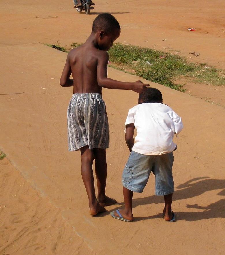 非洲可爱的孩子们_(l)朗诗绿色街区