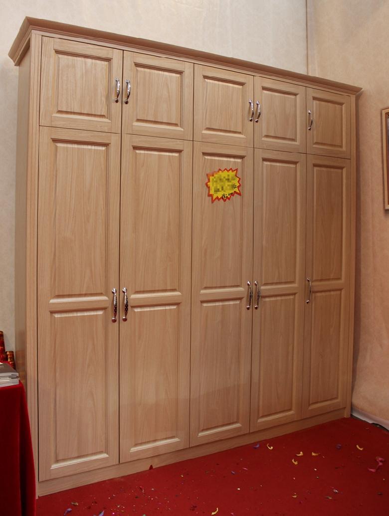 橡木色欧式门板衣柜实例推荐,内部格局超赞