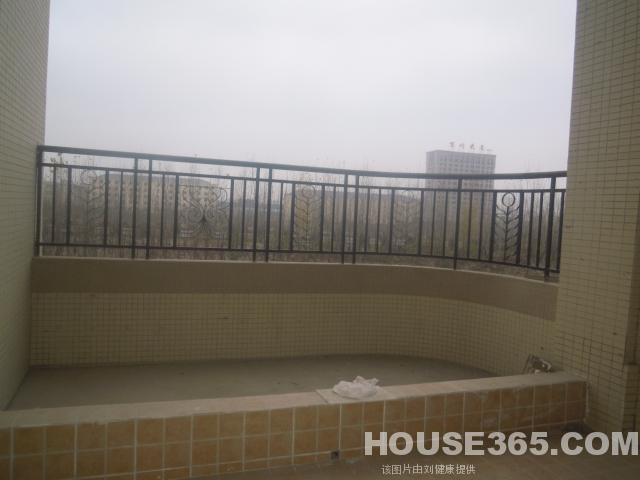 4:绿城桂花园内复式 带电梯 带观山露台 五房三卫