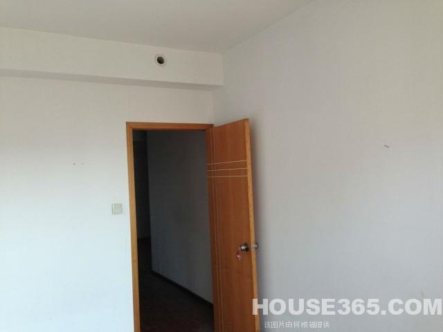 【美寓地产百分之百真房源】泊林公寓 简装空房子出租了