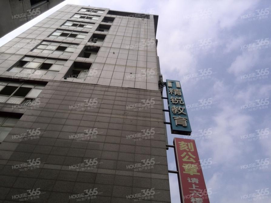 江山大厦3室1厅1卫65平方产权房精装