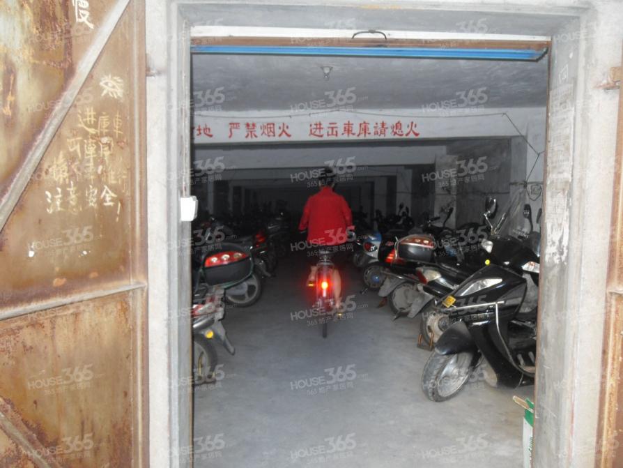 曹张新村2室2厅1卫60.95平米整租精装
