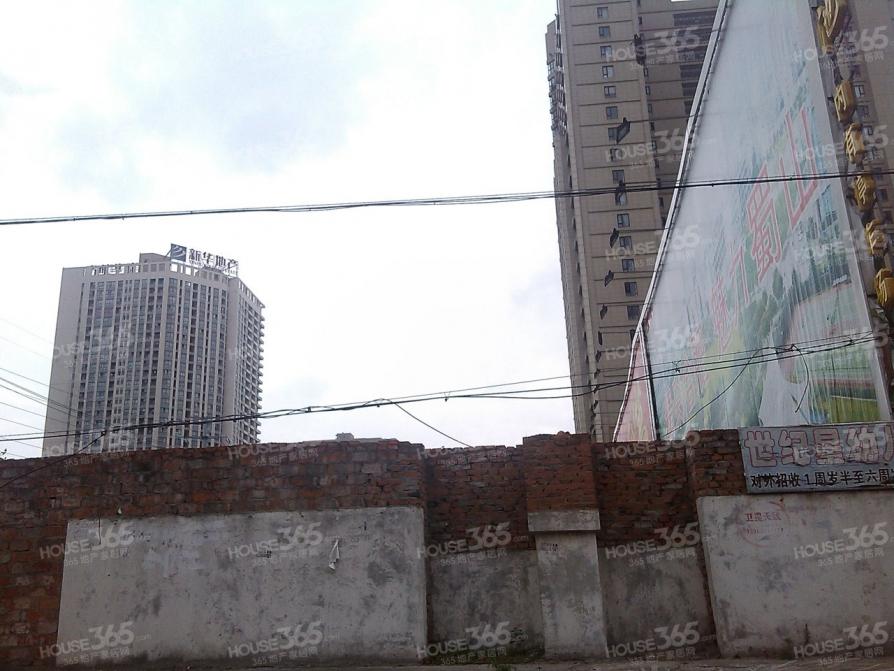 清源新村3室2厅1卫91平方产权房精装