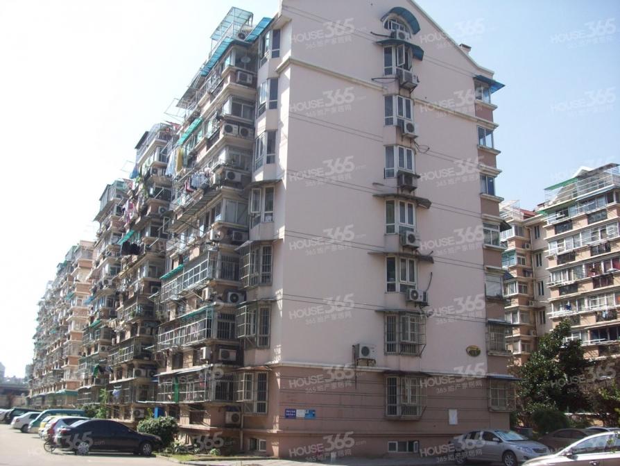 龙翔雅苑4室2厅2卫114平米整租精装