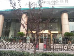 福鑫国际大厦 紧靠张府园地铁 办公精装 12部电梯迅达