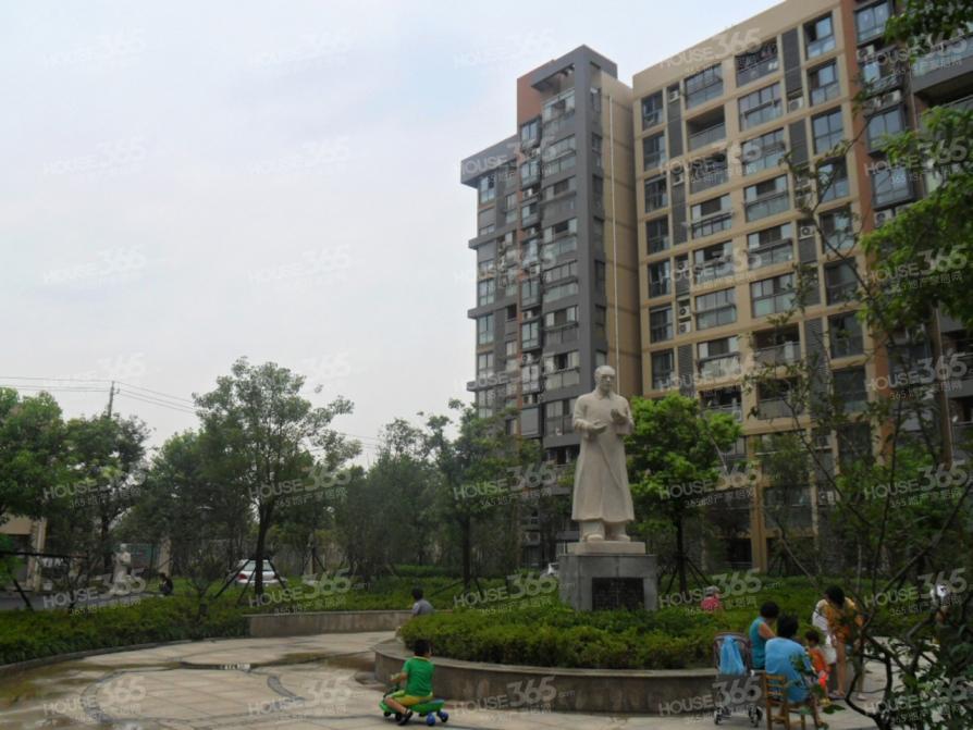 天润城14街区3室1厅1卫89.82平米2012年产权房简装
