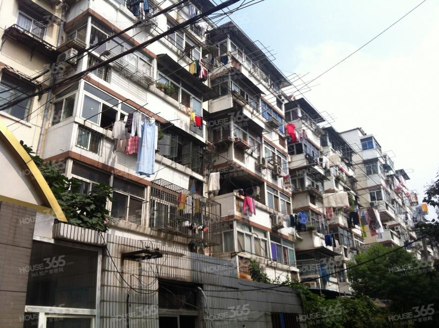 建宁新村2室1厅1卫52平方产权房精装
