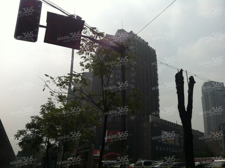 晶典国际1室1厅1卫54.68平米精装产权房2012年建