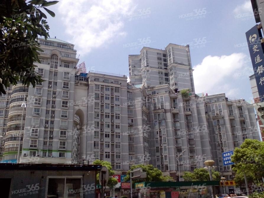 兴盛大厦3室3厅1卫155平方产权房精装