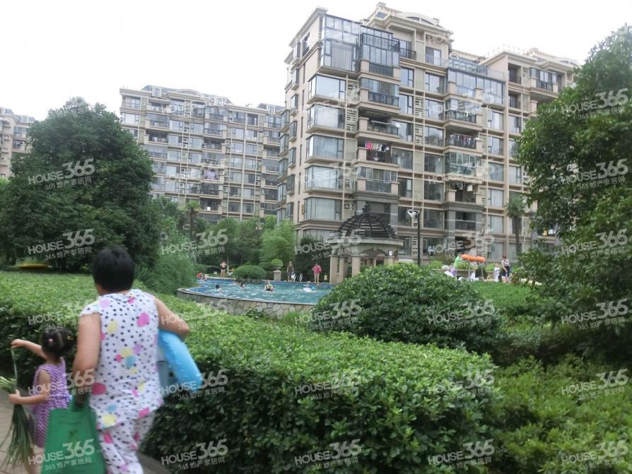 中海国际社区4室2厅2卫140平方产权房毛坯