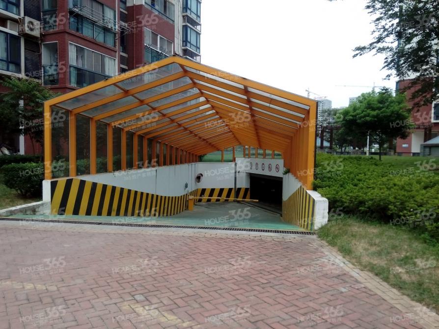 上海明珠花园4室3厅3卫200平米毛坯产权房2008年建