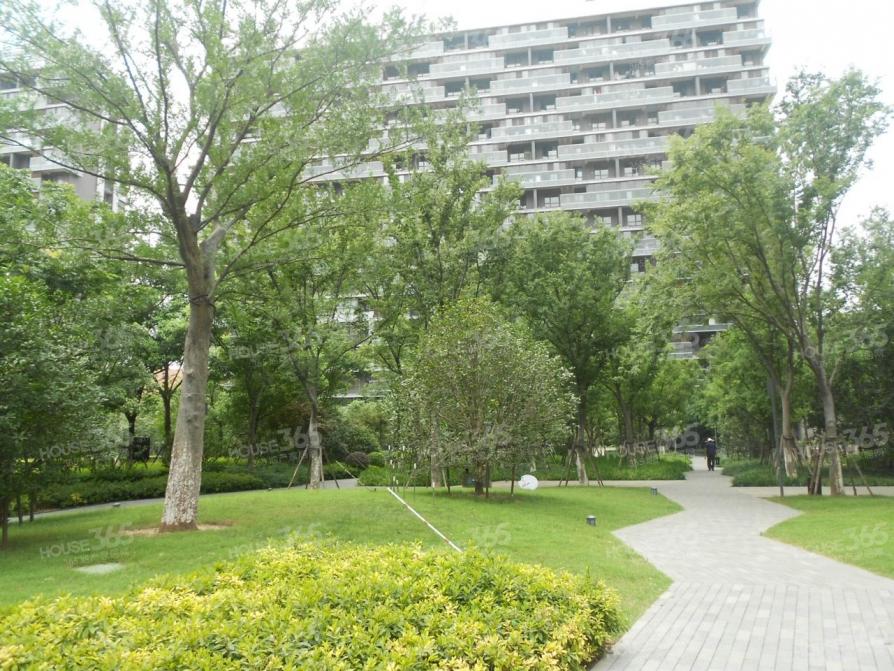 仁恒G53公寓4平米车位产权房