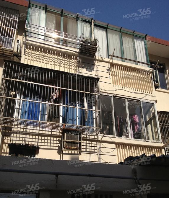上马墩地铁口精装3房朝南带阁楼拎包入住 毗邻市中心 火车站
