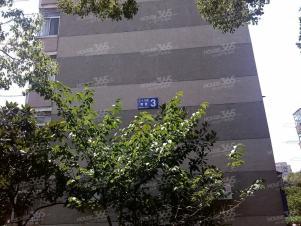 38所 3房1厅 只要1600 地段位置好 距离国购很近