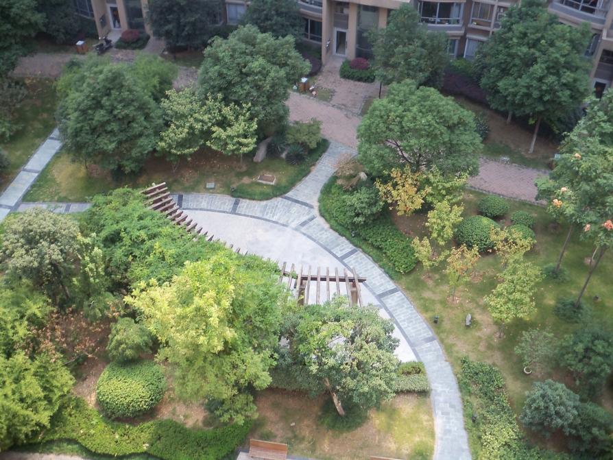 《急售 一梯两户 双地铁口 天鹅湖景观房 低于市场价20万》50中新