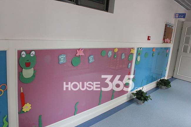 城堡幼儿园一楼大厅和走廊平面设计图展示图片