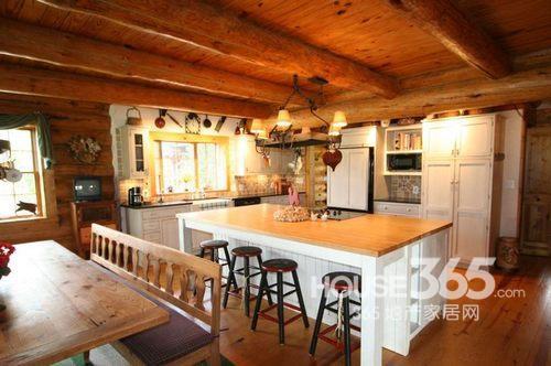 美式吊顶装修效果图:大户型厨房空间的