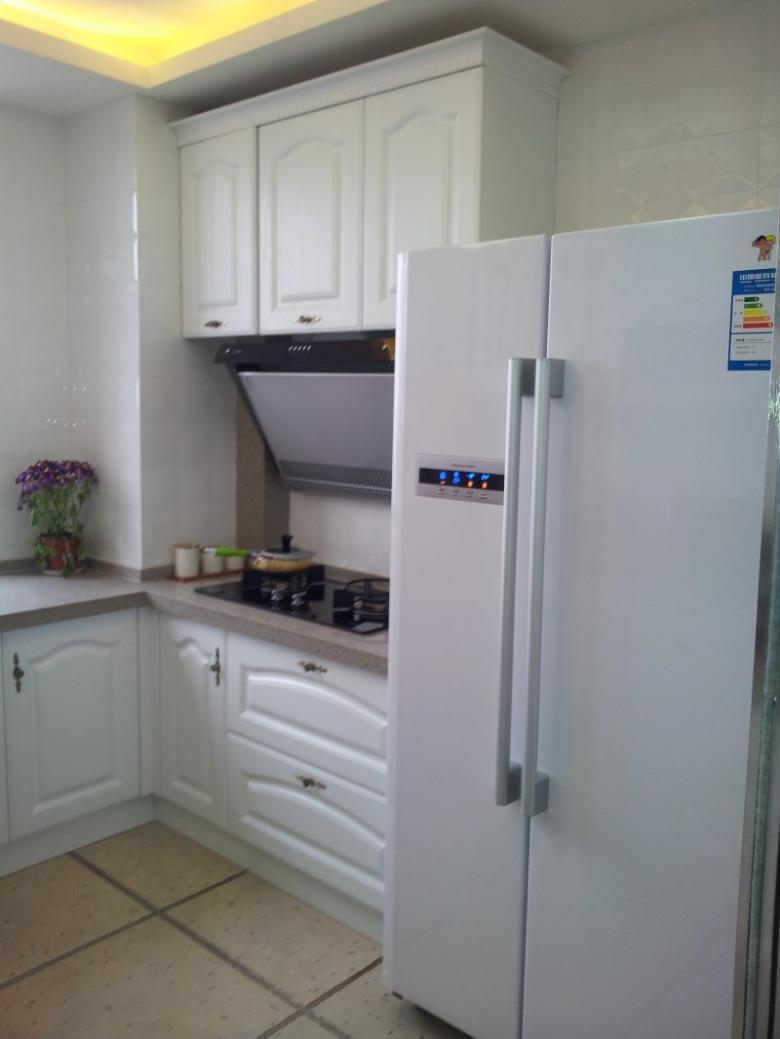 厨房里的冰箱还可以这样摆放!